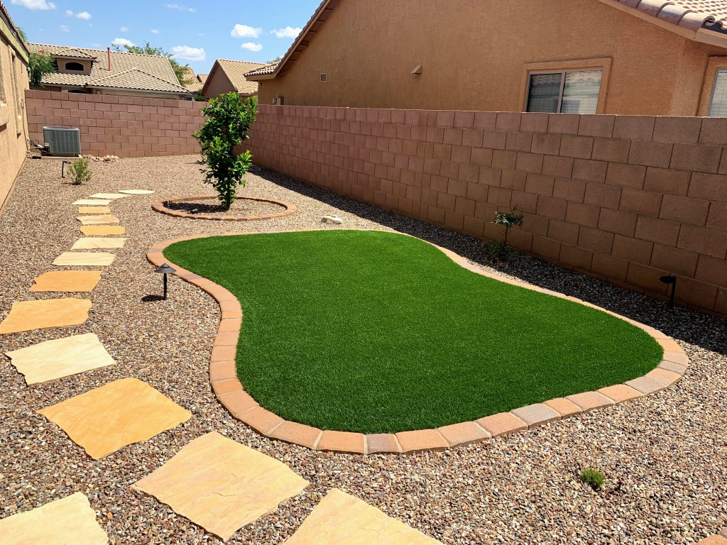 ARTIFICIAL TURF, PUTTING GREENS AND GRASS